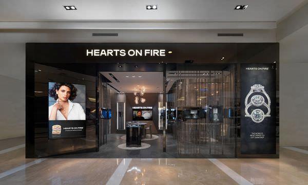 HEARTS ON FIRE全新概念店-台南新天地-1.jpg