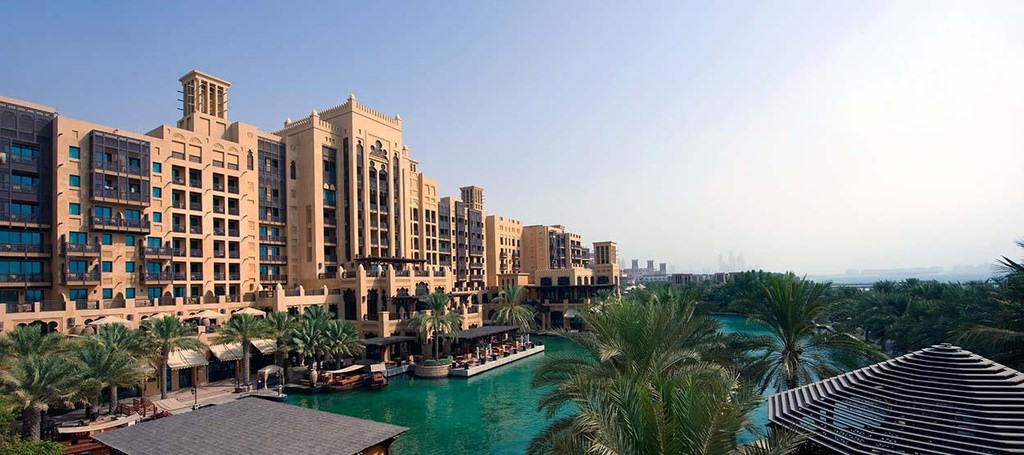 madinat-jumeirah-mina-a-salam-waterways-view-hero