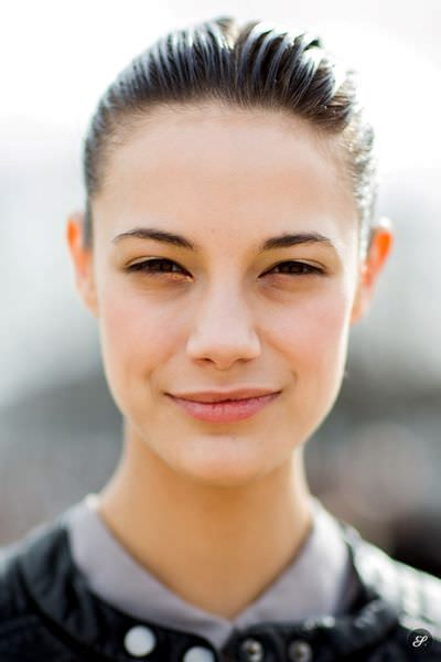 swiss_model_anja_leuenberger_close_up_fashion_model_street_style_portrait_pfw_paris_fashion_week